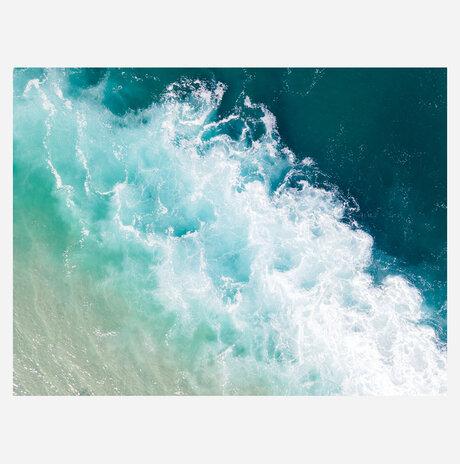 צורת המים / גל צאושו